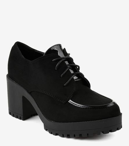 Białe sneakersy na grubej podeszwie Brie