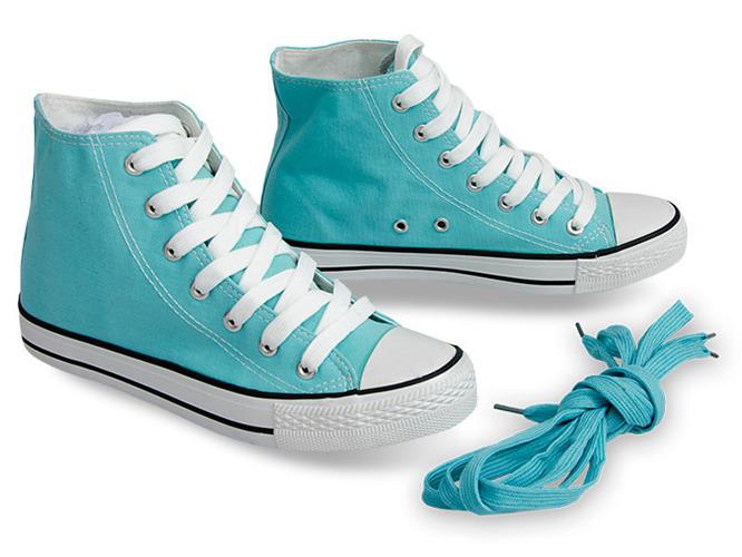 Białe sportowe buty na płaskiej podeszwie Nikki
